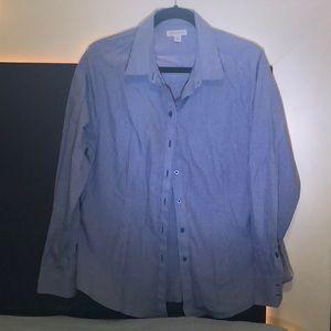 Buttons down long sleeve shirt